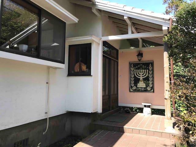 OKUNO IE(庭に囲まれた静かな家)