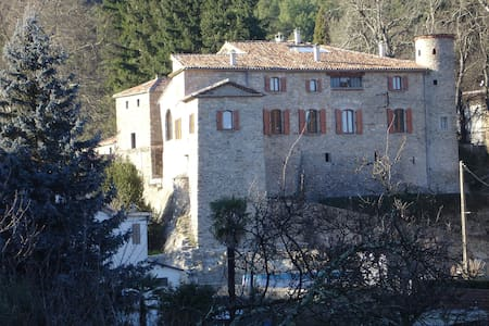 Chambre d'hôtes au Château de la Favède - La Grand-Combe