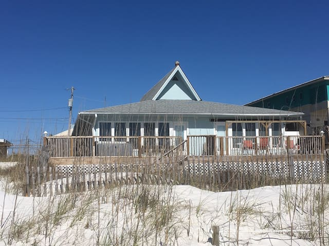 4BR/3BA BEACHFRONT HOUSE DIRECT ON OCEAN SLEEPS 20 - panama city beach - Casa