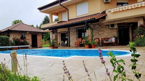 Villa Provence for 8 Persons