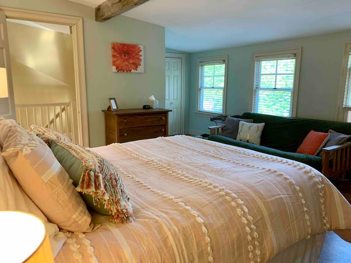 Getaway close to the seacoast!