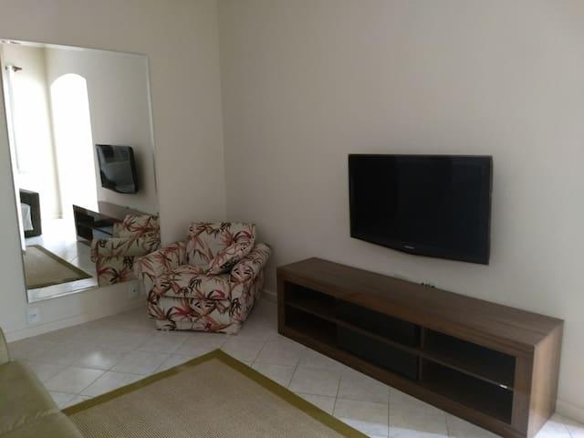 Apartamento DIFERENCIADO/Área nobre do Leblon
