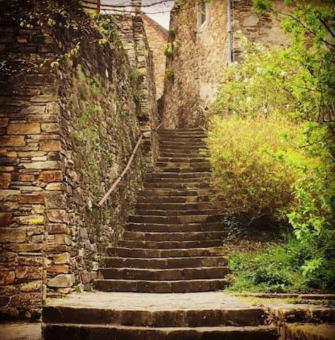Discover Saint-Yrieix-la-Perche