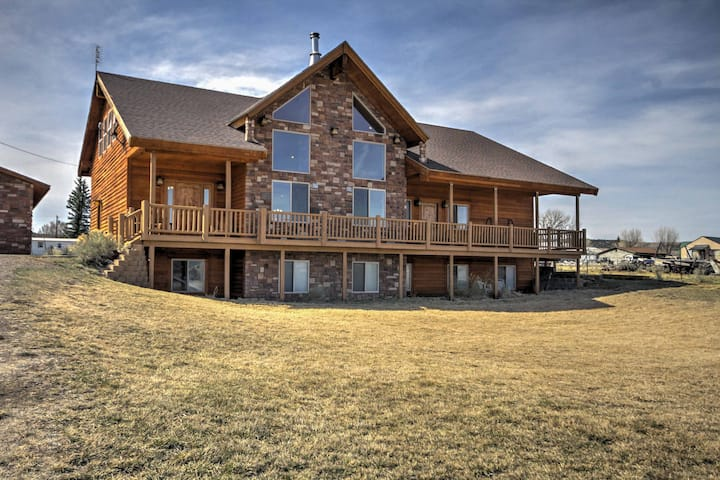 Rustic Bryce Canyon Home w/ Deck on Sevier River!