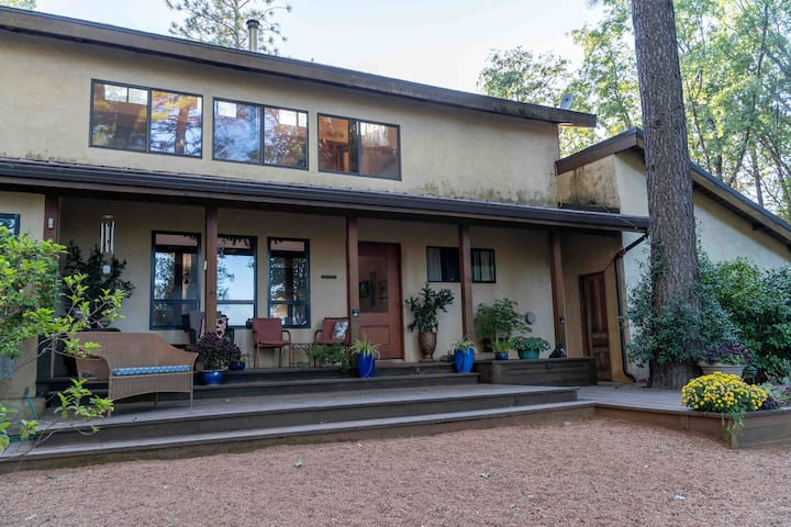 Sierra Foothills Mountain Retreat