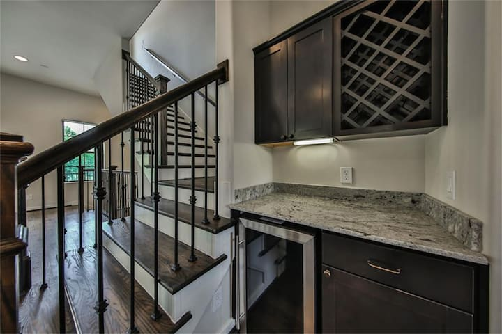 Houston Town home Available