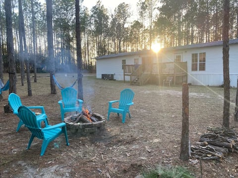 Spring Hideaway -Renovated 3BR Near Ginnie Springs