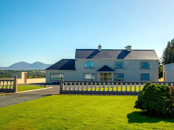 Cosy Traditional Farm House 20mins To Killarney