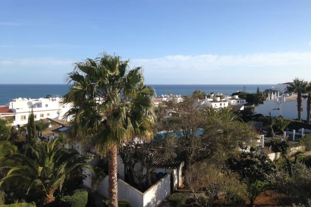 Top floor 1 bed Flat: the view from the balcony