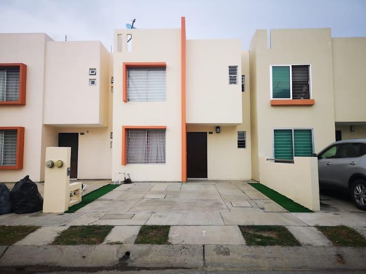 Casa en Privada con Alberca a 15 min de la Playa