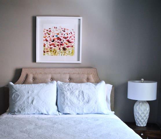 Apartment Uptown Toronto Yonge&Eglinton