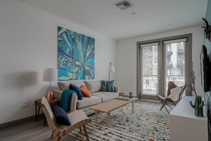 Luxe 1BR on Tempe Town Lake #1042 by WanderJaunt