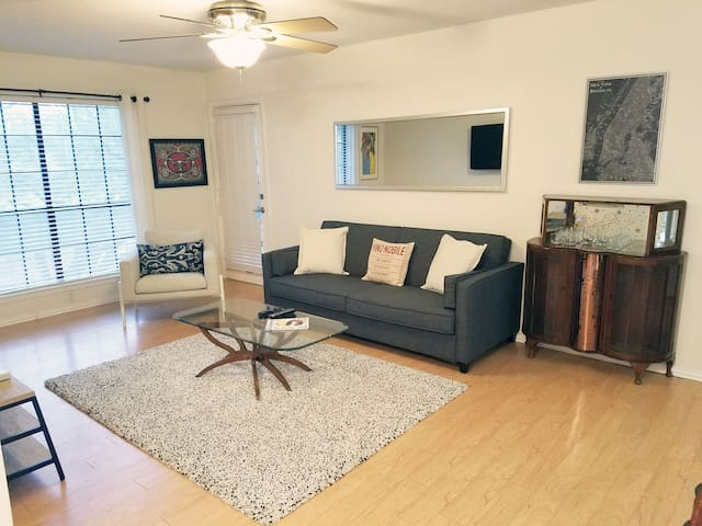 Cute Condo in NW Hills of Austin +Pool & Tennis!
