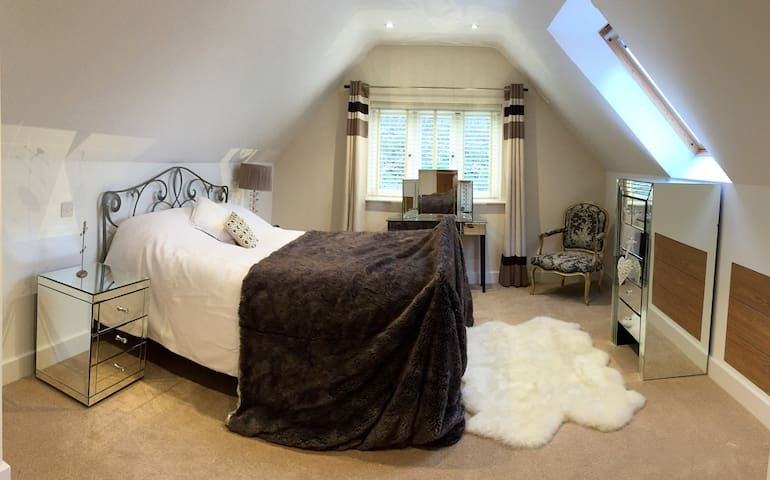 Stunning Room, Brand New House (yoga / hot tub) - Oxfordshire - Casa