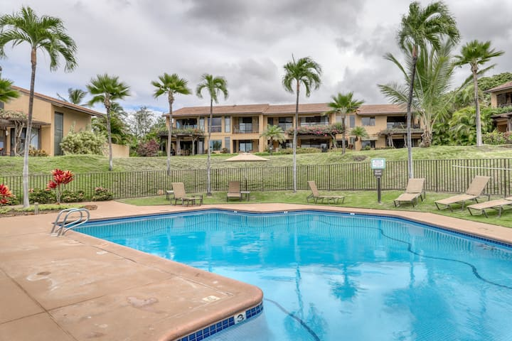 Oceanview ground floor home w/shared pools, hot tub - near the beach!