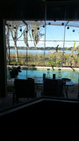 Pool Home-Sleeps 6-8 Lake Front near Disney!!! - Ocoee