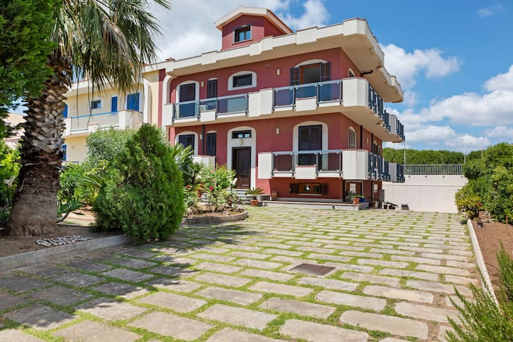 Spacious Apartment in Avola near the Seabeach
