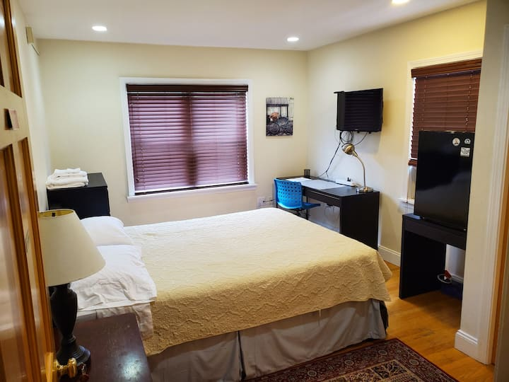 Furnished suite 2 @ the Windsor