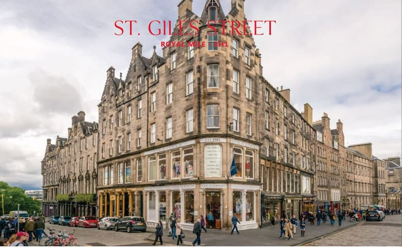Royal Mile Apartment. Best location in Town!