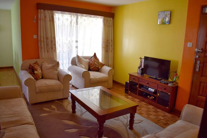 Secure, cosy 2BD apartment with a gym and parking. - Nairobi - Apartment
