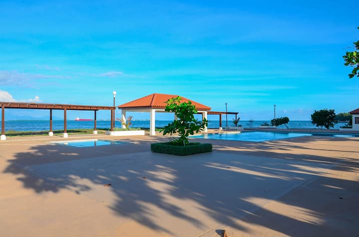 Wong's Rental- Relax In Comfort By The Sea