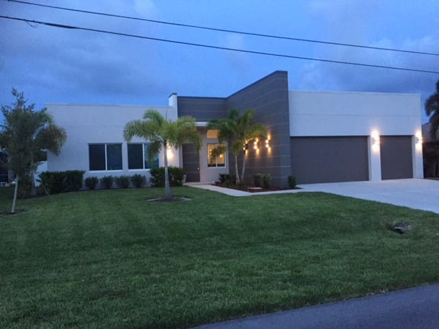 NEW - Villa Next Level, Cape Coral,  Gulf Access