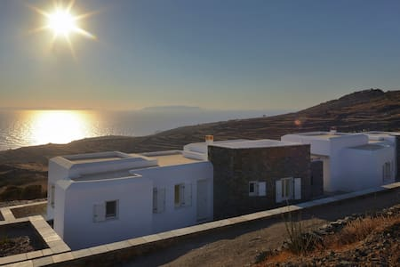Green Luxury Villas: 4 Bedrooms, 4 Bathrooms - Ano Meria