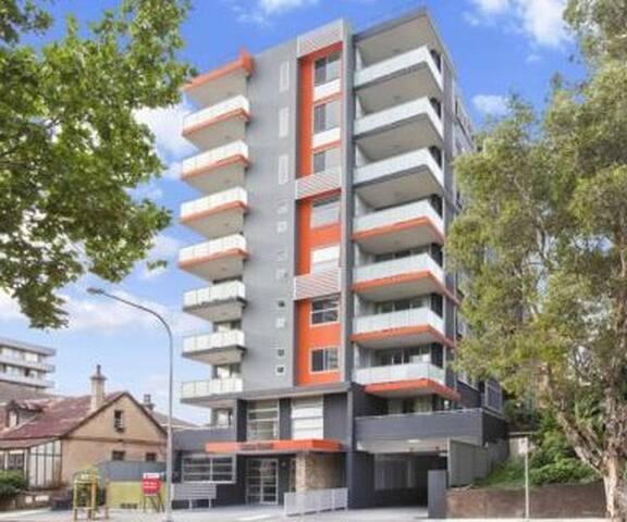 2 br Unit at Parramatta, Sydney - Parramatta - Apartment