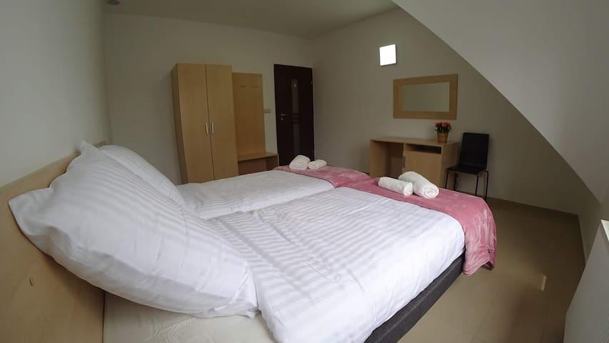 Apartament 2-os - Kozienice (pok. nr 7)
