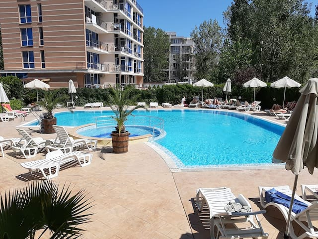 Self Catering, Serviced Apartment in Sunny Beach