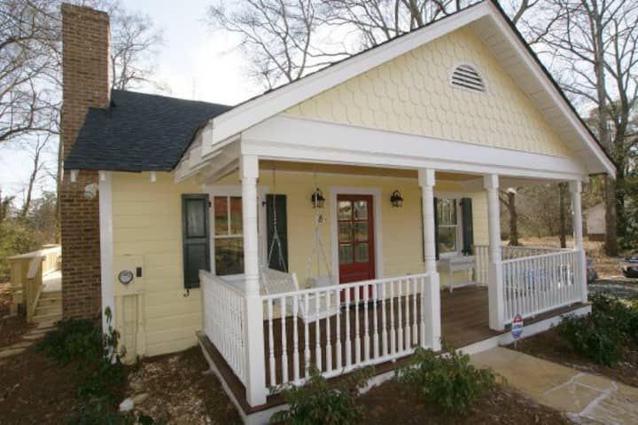 Mary's Cottage. ...Historic Roswell ...Walkable