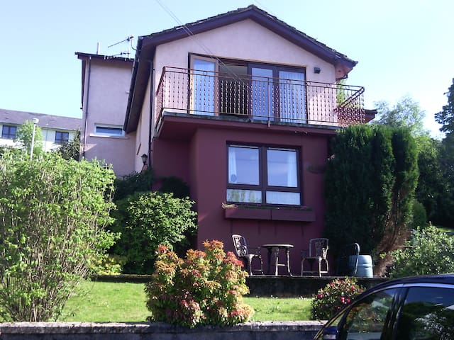 Self-catering apartment near town centre