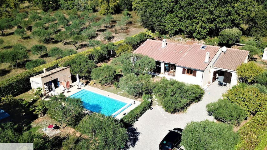Villa familiale piscine privée provence  verdon
