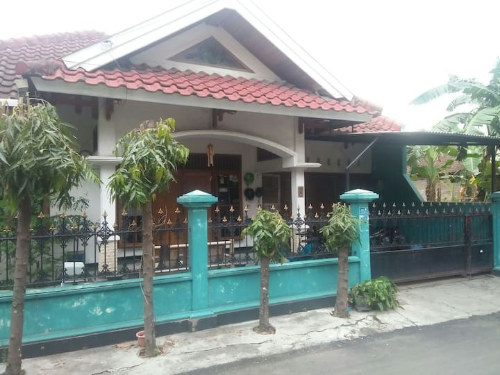 WirHouseSaban Guesthouse in the CENTRE OF JOGJA
