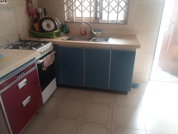 Self-contained affordable private room in Accra