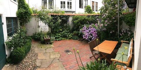 Bremerhaven Zentrum, квартира с садом