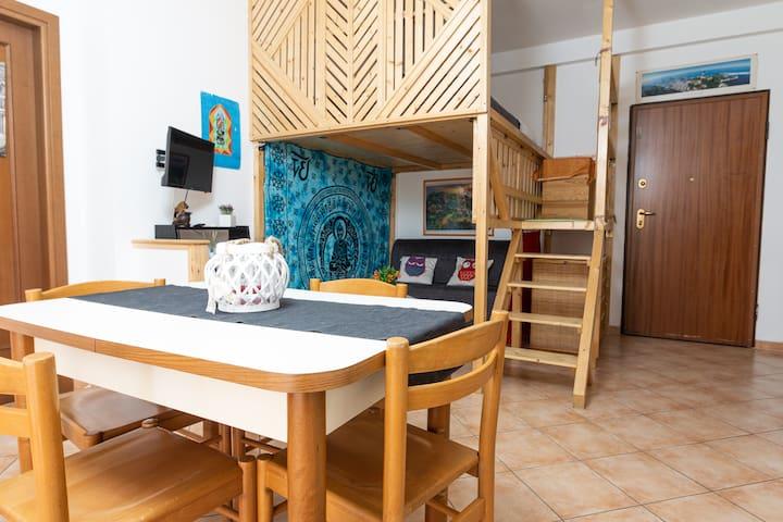 Tavolo Antico Allungabile Roma.Airbnb Fiano Romano Vacation Rentals Places To Stay Lazio
