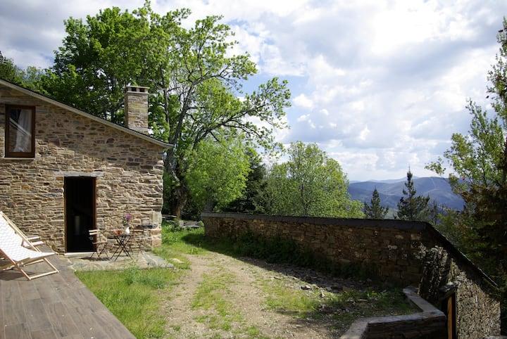 Acogedora cabaña en plena sierra de Ancares