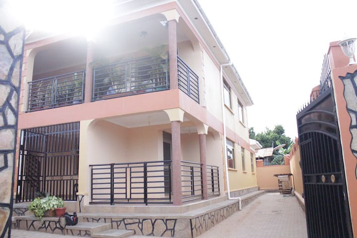 kionsaprtment - Entebbe - Apartment