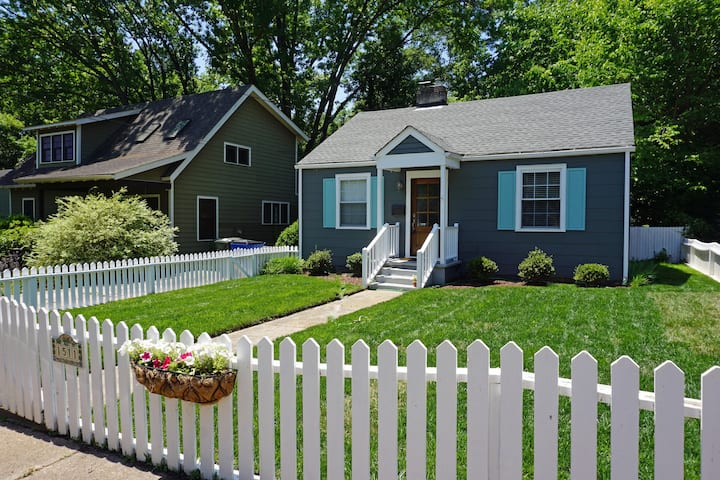 Renovated Bungalow in Heart of Raleigh