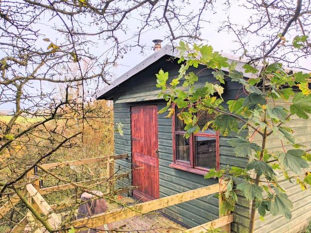 Alden Valley Shepherds Hut, Cronkshaw Fold Farm