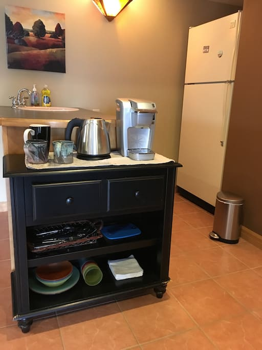 Kitchenette with the basics