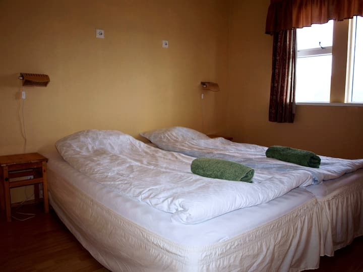 Guesthouse Hof  3 bedroom apartment with hottub