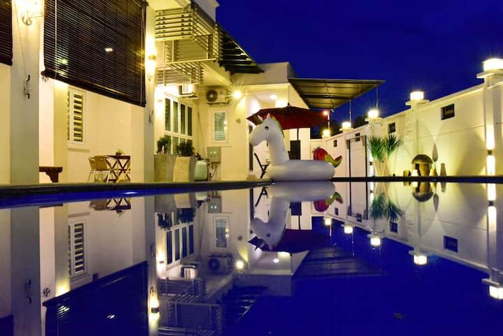 Seri Botani Pool Villa
