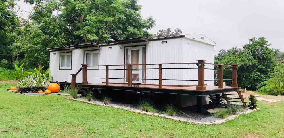 Container with Private Pool-Couple Retreat