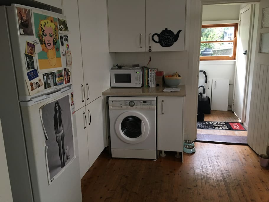 kitchen/ washing machine
