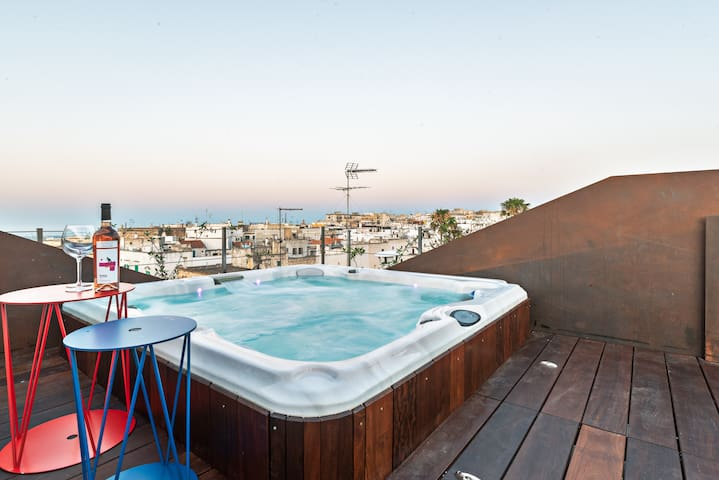 room with panoramic terrace in the historic centre