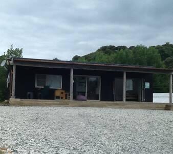 Tawharanui 890 Cottage