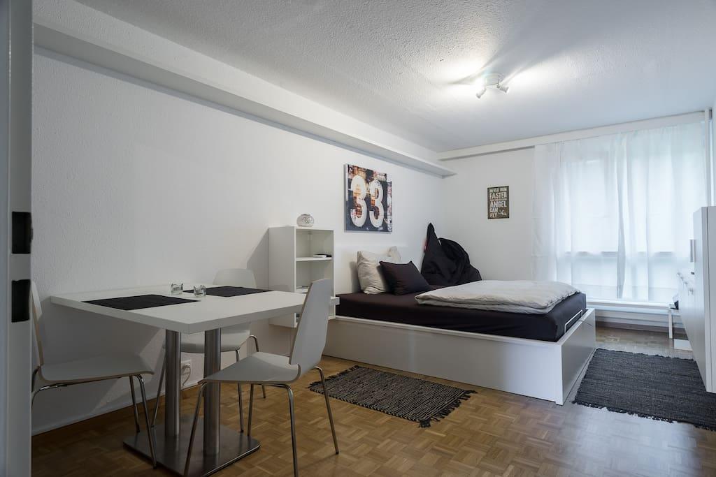 Studio centre ville zurich 10 appartements louer for Piscine zurich