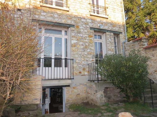Maison type meulière 1920 - Saint-Leu-la-Forêt - Dom